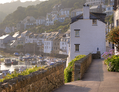 Cornwall crowned the top  UK holiday home hotspot