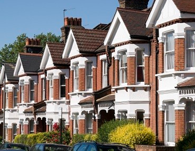 UK house prices increase unexpectedly in October - Halifax