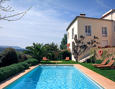 How can buyers of Spanish off-plan properties recover their investment?