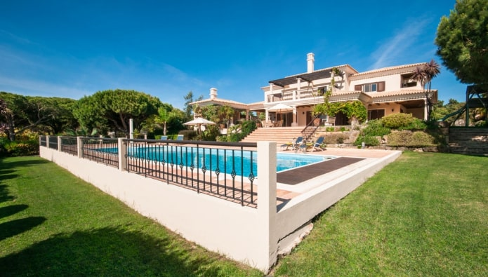 Property of the week – would investors be tempted by this Portuguese villa?