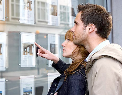 Estate agents 'remain upbeat' about UK housing market
